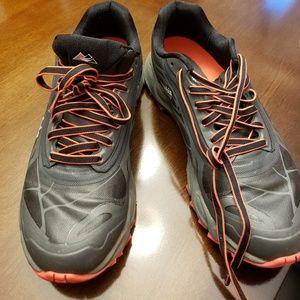 Columbia waterproof tennis shoes